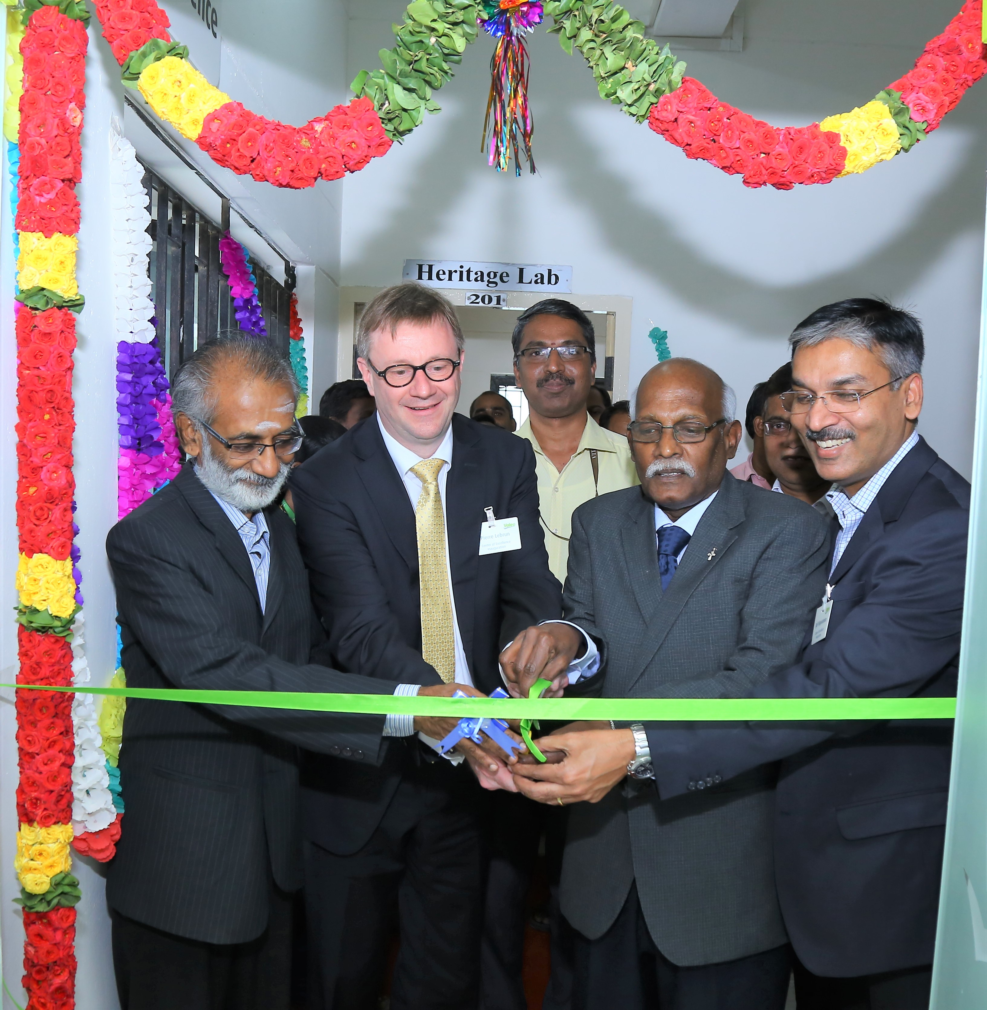 Valeo unveils a Center of Excellence at VIT Vellore to support students