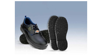 Warrior safety shoes offer complete protection