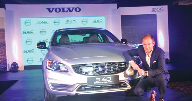 Volvo introduces S60 Cross Country